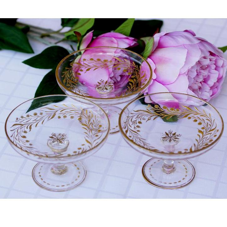 Vintage Champagne Glasses   Set of 4
